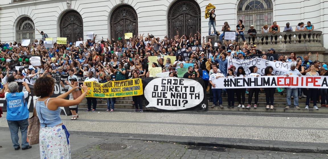 Manifestação contra os cortes na Saúde. SinMed na luta!